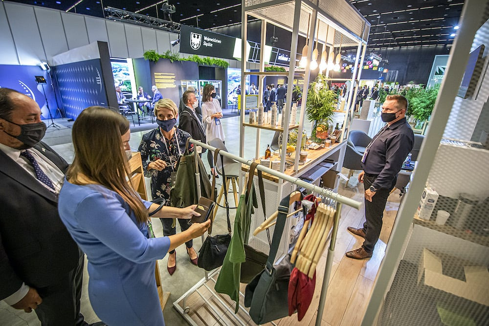 Hemp Represents an Opportunity to Decarbonise the Textile Industry
